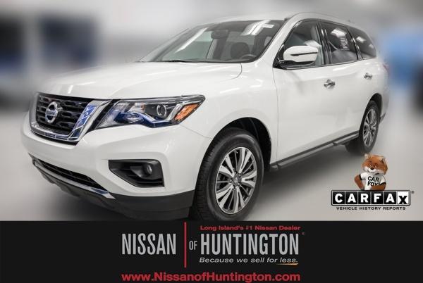 2018 Nissan Pathfinder in Huntington Station, NY