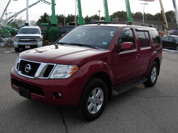2008 Nissan Pathfinder in North Hampton, NH
