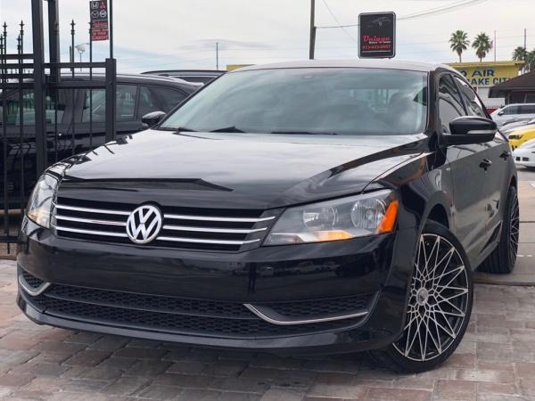 2014 Volkswagen Passat in Tampa, FL