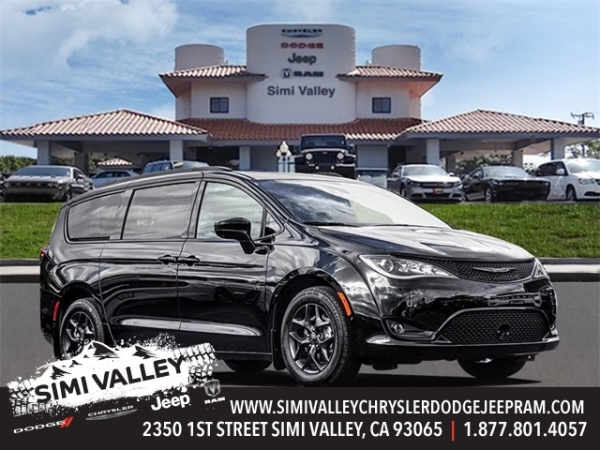 2020 Chrysler Pacifica in Simi Valley, CA