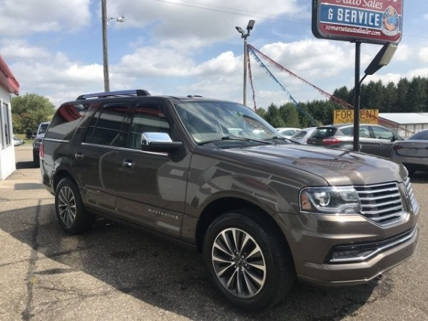 2015 Lincoln Navigator in Somerset, WI