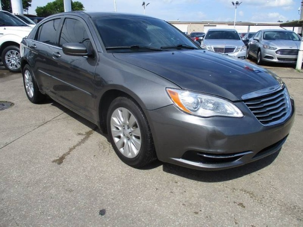2012 Chrysler 200 in Houston, TX