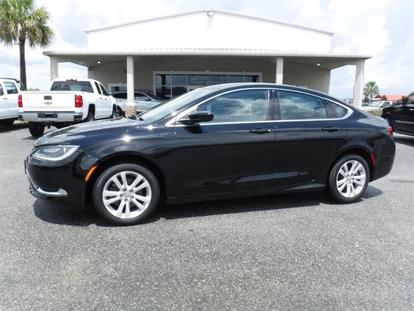 2015 Chrysler 200 in Live Oak, FL