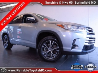 Used 2017 Toyota Highlander LE V6 FWD For Sale In Springfield, MO