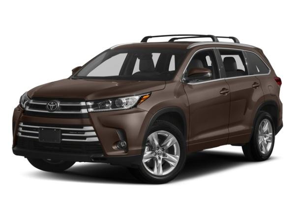 2018 Toyota Highlander in Westbury, NY