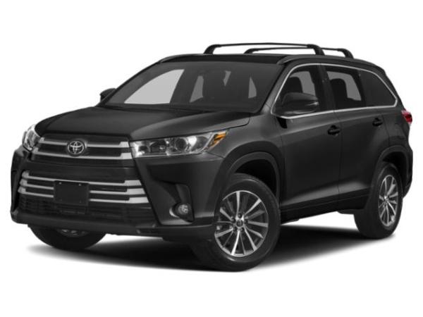 2019 Toyota Highlander in Westbury, NY