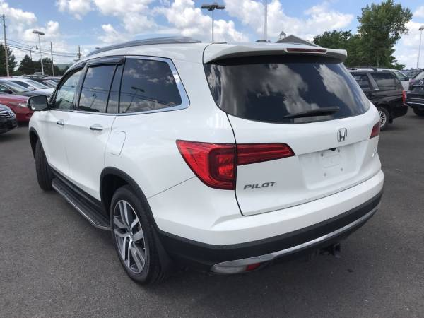 2017 Honda Pilot in Grove City, OH
