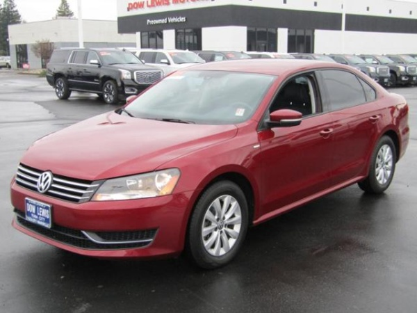 2015 Volkswagen Passat in Yuba City, CA