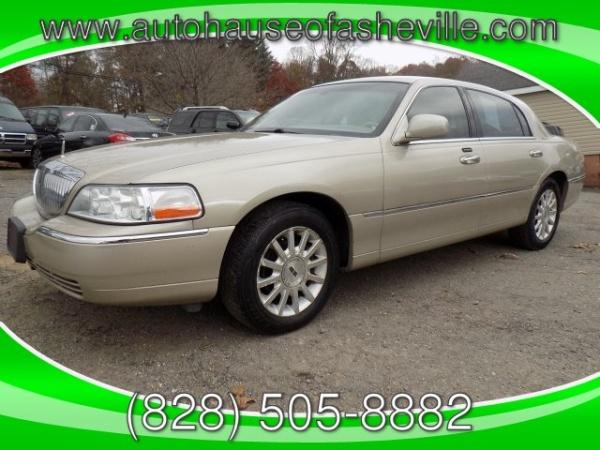 2006 Lincoln Town Car in Swannanoa, NC