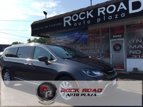 2018 Chrysler Pacifica in Saint Louis, MO