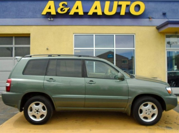 2006 Toyota Highlander in Englewood, CO