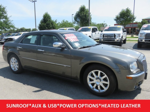 used chrysler 300 for sale in champaign il u s news world report. Black Bedroom Furniture Sets. Home Design Ideas