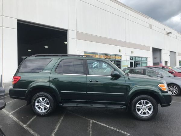 2001 Toyota Sequoia in Chantilly, VA