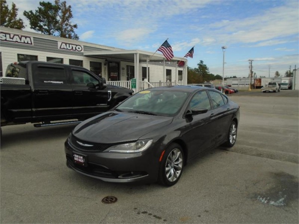 2015 Chrysler 200 in Jacksonville, NC