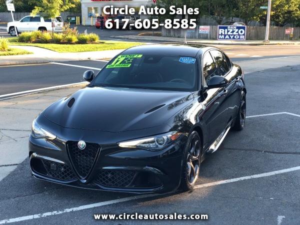 2017 Alfa Romeo Giulia Quadrifoglio Base