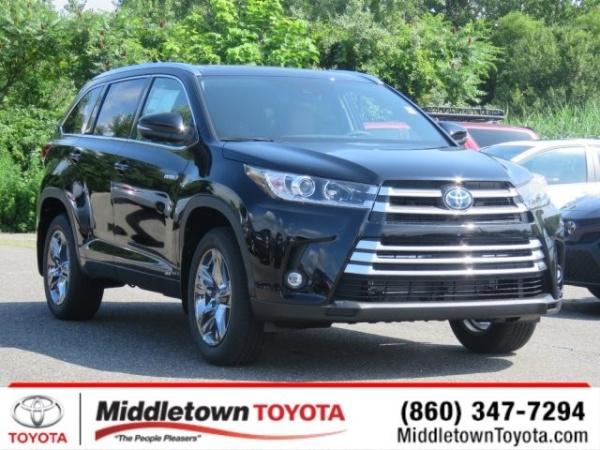 2019 Toyota Highlander in Middletown, CT