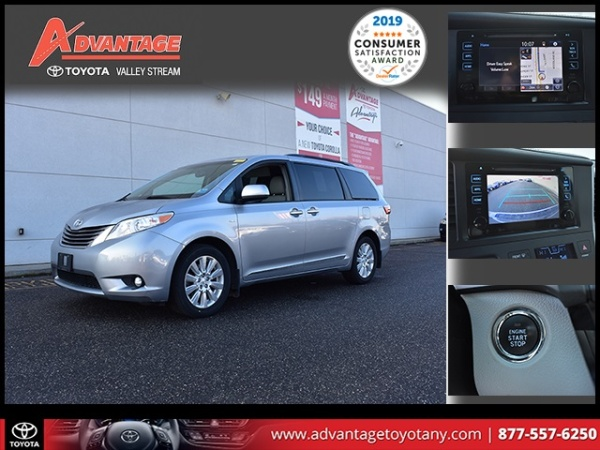 2017 Toyota Sienna in Valley Stream, NY