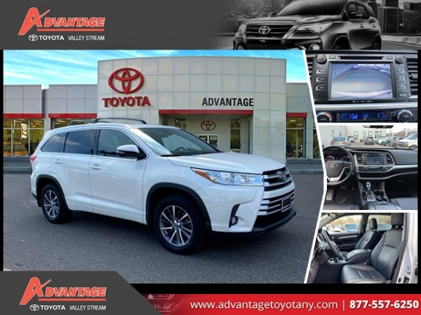 2017 Toyota Highlander in Valley Stream, NY
