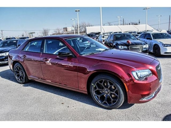 2019 Chrysler 300 in Odessa, TX