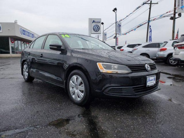 2014 Volkswagen Jetta in West Islip, NY