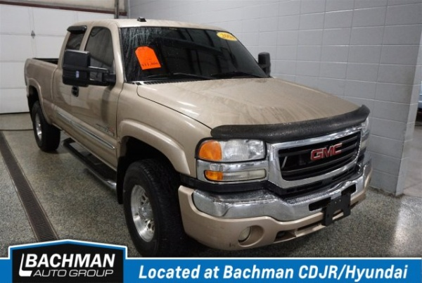 2004 GMC Sierra 2500 in Jeffersonville, IN