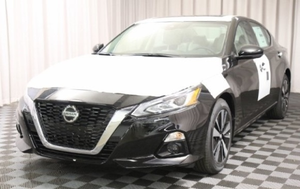 2020 Nissan Altima in Bedford, OH