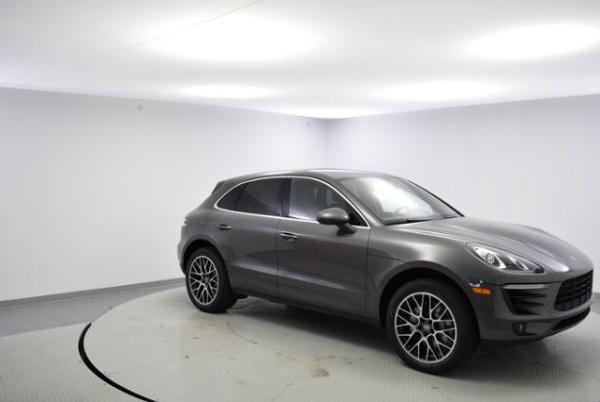2018 Porsche Macan in Urbandale, IA