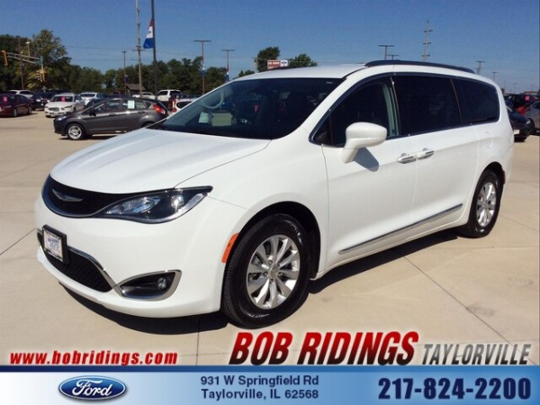 2018 Chrysler Pacifica in Taylorville, IL