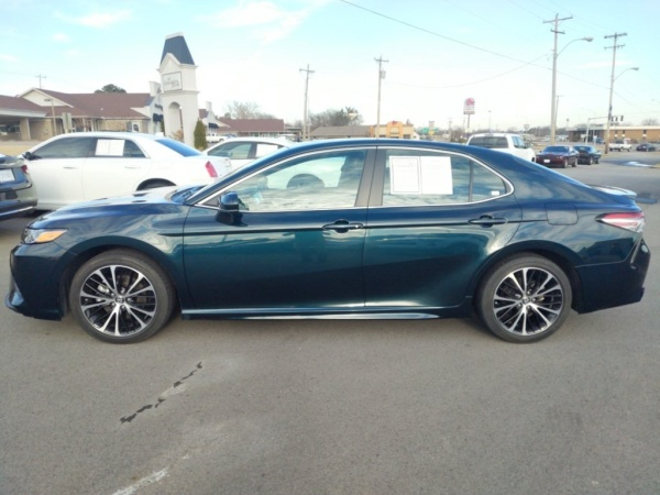2018 Toyota Camry in Fort Smith, AR