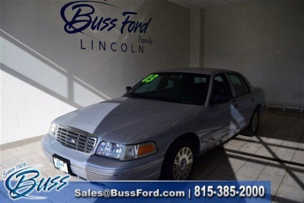 2003 Ford Crown Victoria in Mchenry, IL