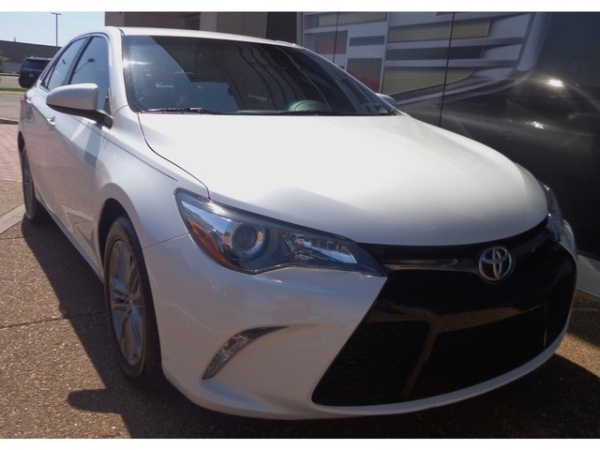 2015 Toyota Camry in Knoxville, TN