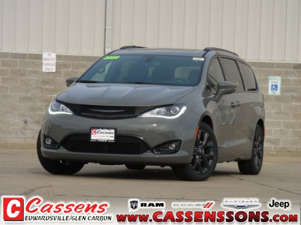 2020 Chrysler Pacifica in Glen Carbon, IL