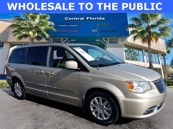 2015 Chrysler Town & Country in Orlando, FL