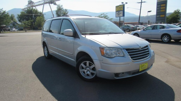 2010 Chrysler Town & Country in Colville, WA