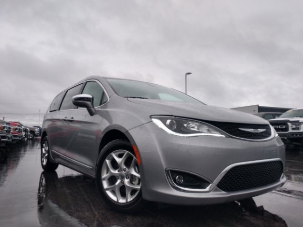 2020 Chrysler Pacifica in Crossville, TN