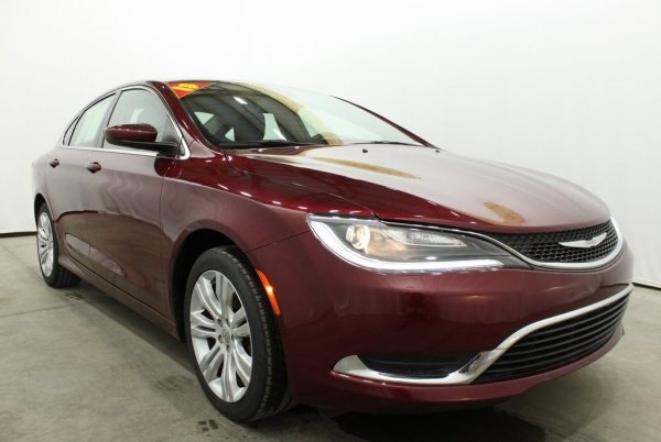 2015 Chrysler 200 in Evansville, IN