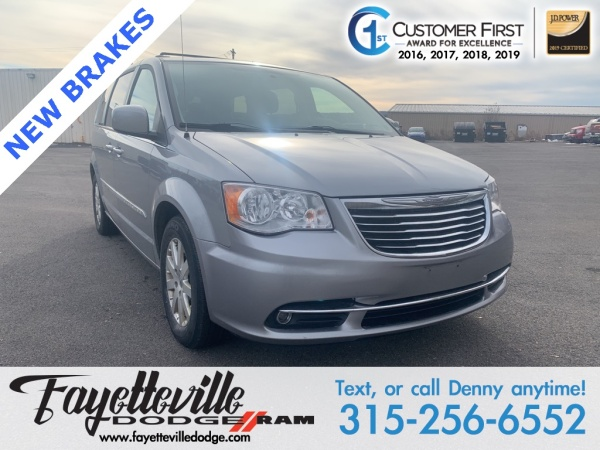2015 Chrysler Town & Country in Fayetteville, NY