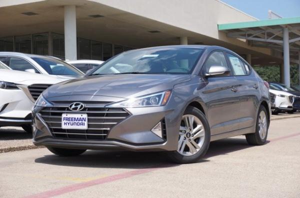 2020 Hyundai Elantra in Irving, TX
