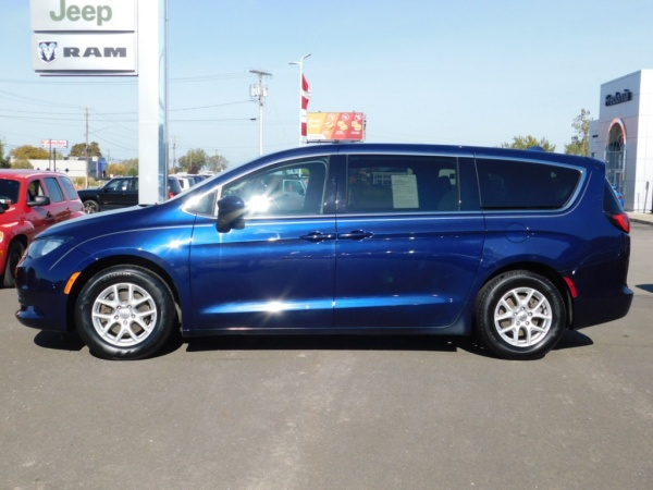 2017 Chrysler Pacifica in Fredonia, NY