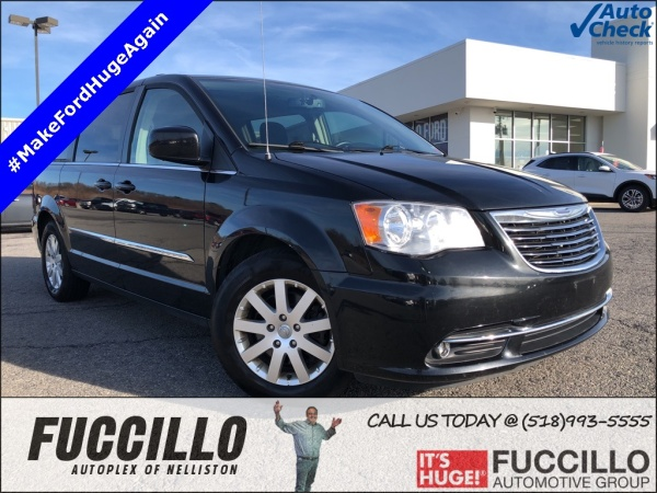 2014 Chrysler Town & Country in Nelliston, NY