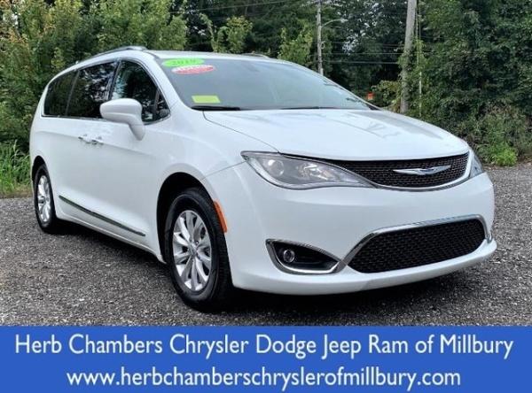 2019 Chrysler Pacifica in Millbury, MA