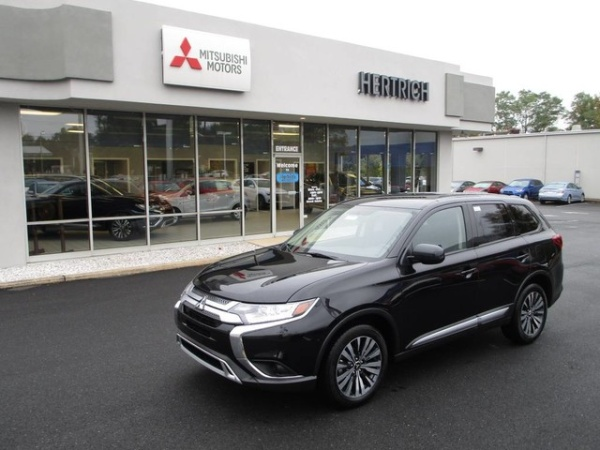 2020 Mitsubishi Outlander in New Castle, DE