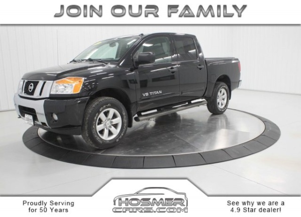 2014 Nissan Titan in Mason City, IA