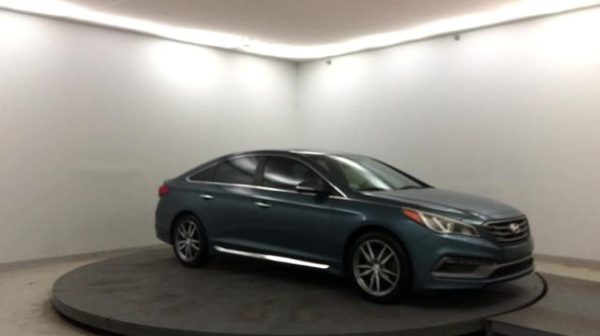 2015 Hyundai Sonata in Shelbyville, IN