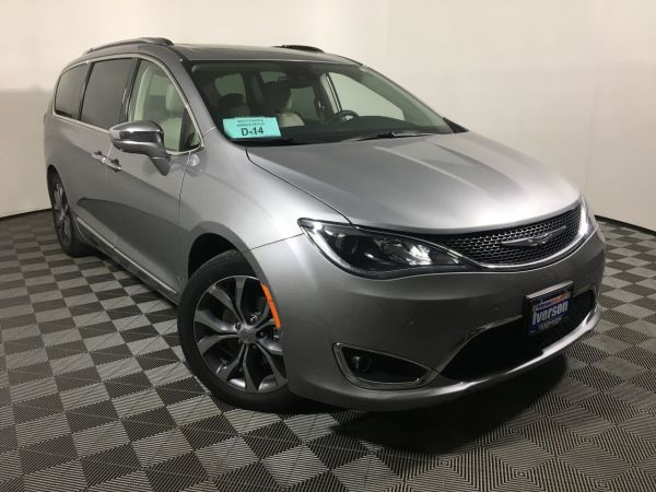 2017 Chrysler Pacifica in Mitchell, SD