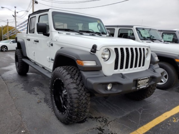 2020 Jeep Gladiator in Jacksonville, IL