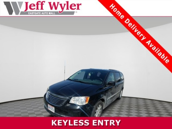 2014 Chrysler Town & Country in Batavia, OH