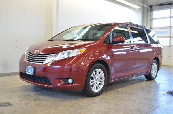 2016 Toyota Sienna in McMinnville, OR
