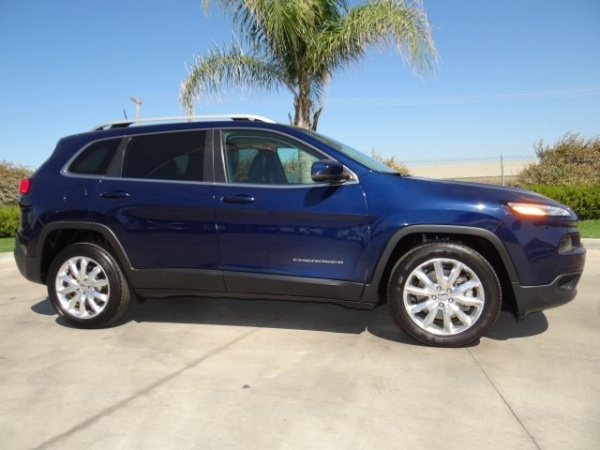 2016 Jeep Cherokee in Hanford, CA