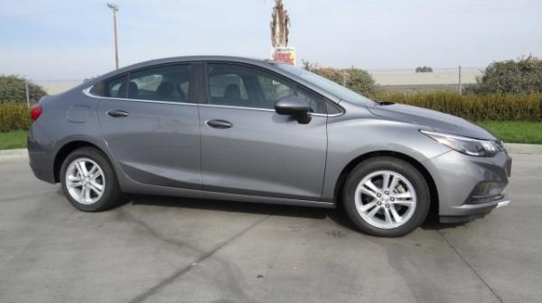 2018 Chevrolet Cruze in Hanford, CA